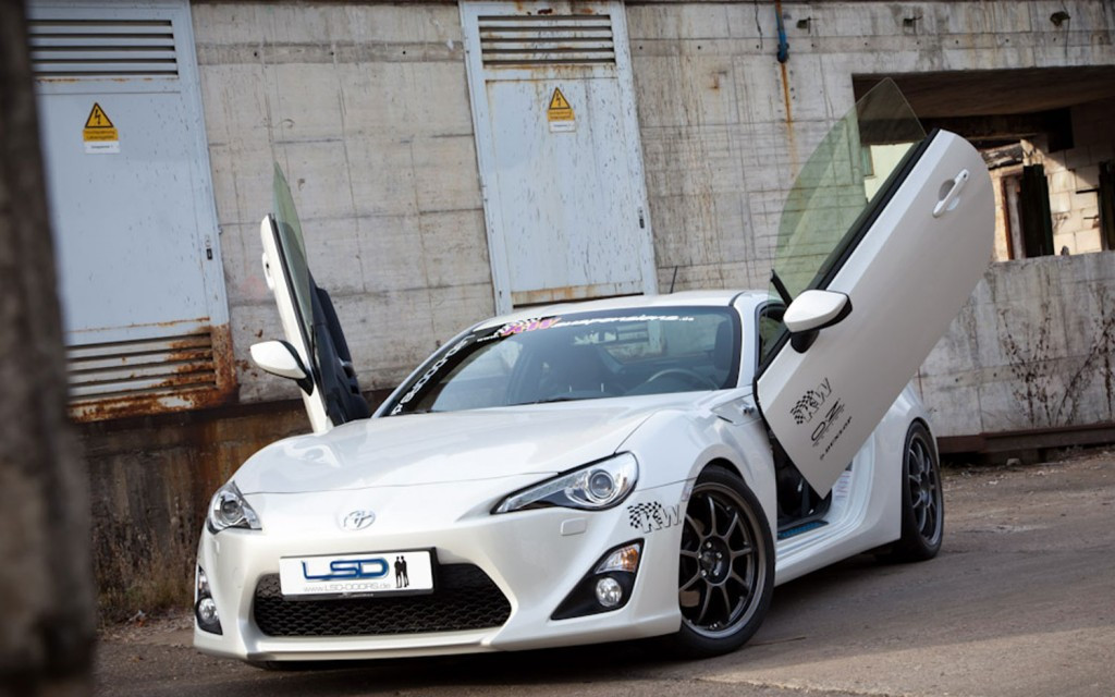 Toyota GT86 LSD Lambo Door Kit & Toyota GT86 LSD Lambo Door Kit - Meduza Design Ltd