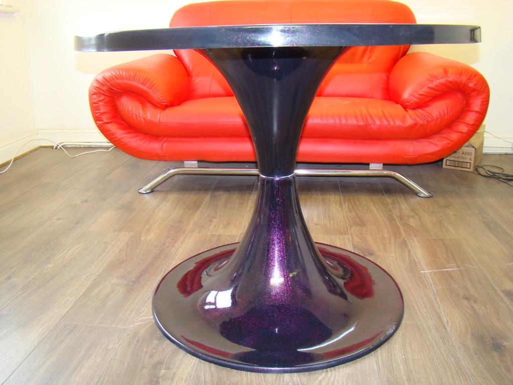 1960`s Tulip Style Vintage Rerto Design Table Black Glitter