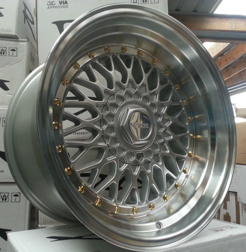 "Dare RS 17"" Staggered Silver Gold Rivets"