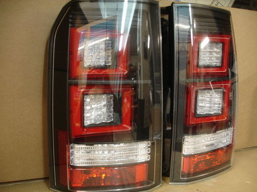Land Rover Discovery 3&4 Clear Rear LED Lights