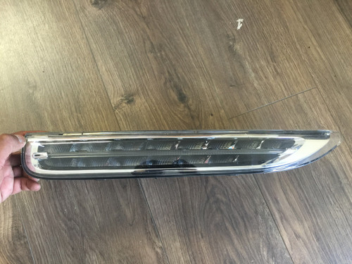 Porsche Cayenne 958 Genuine Driving LED Lamps Bar Used