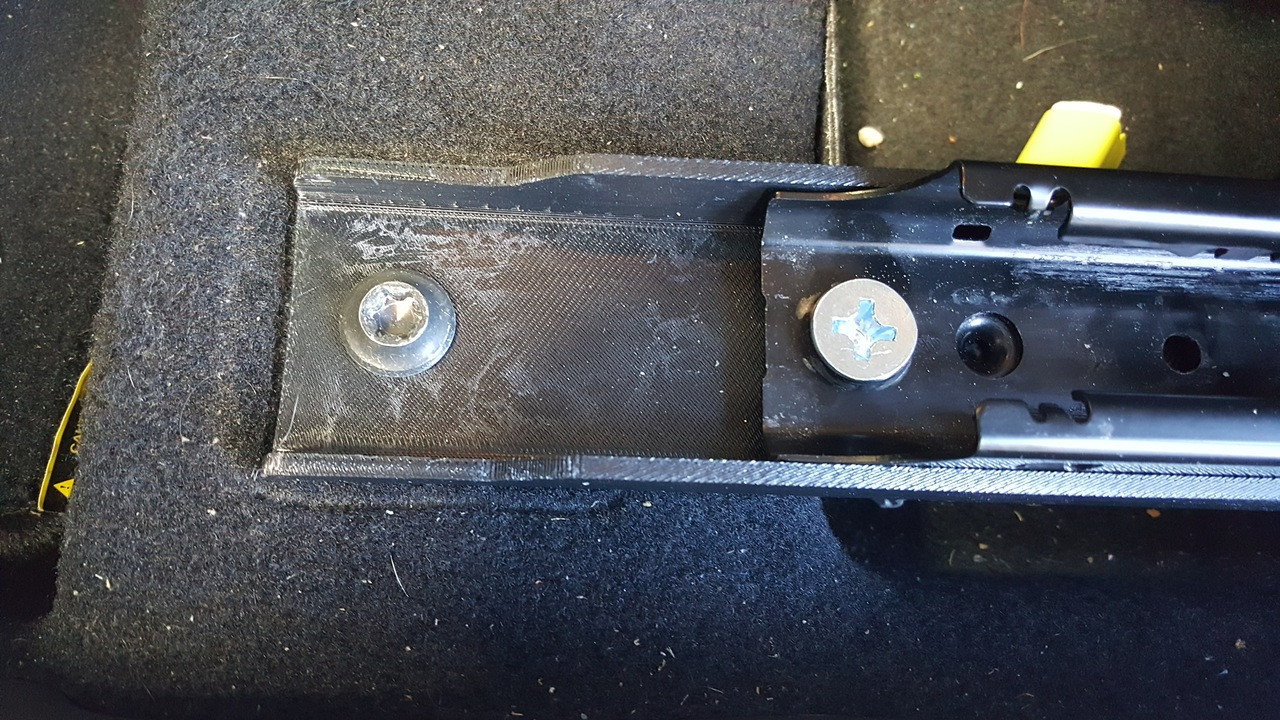 Front installed view of Prius brackets