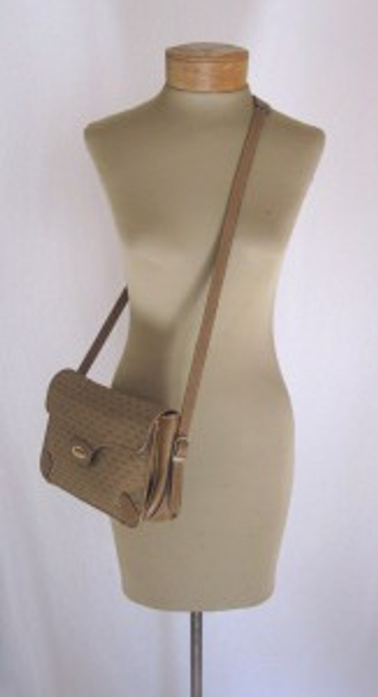 Vintage Gucci 1970s Tan Logo Shoulder Bag