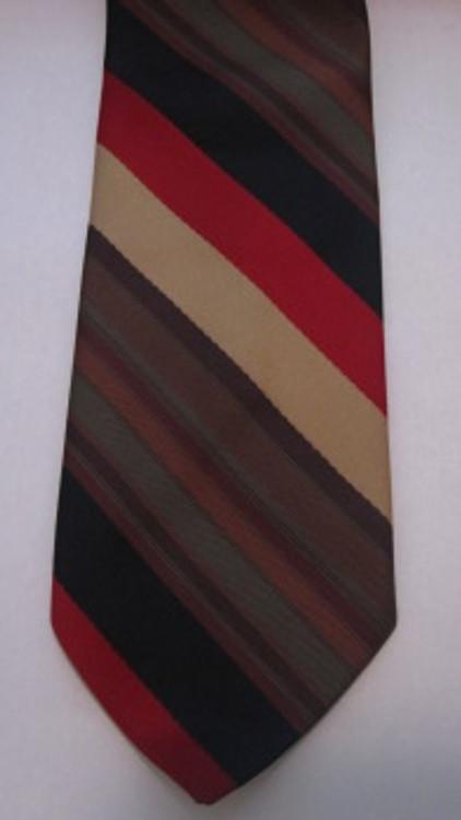 Retro Diagonal Stripe Tie