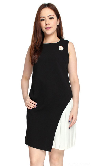 Contrast Side Pleat Dress