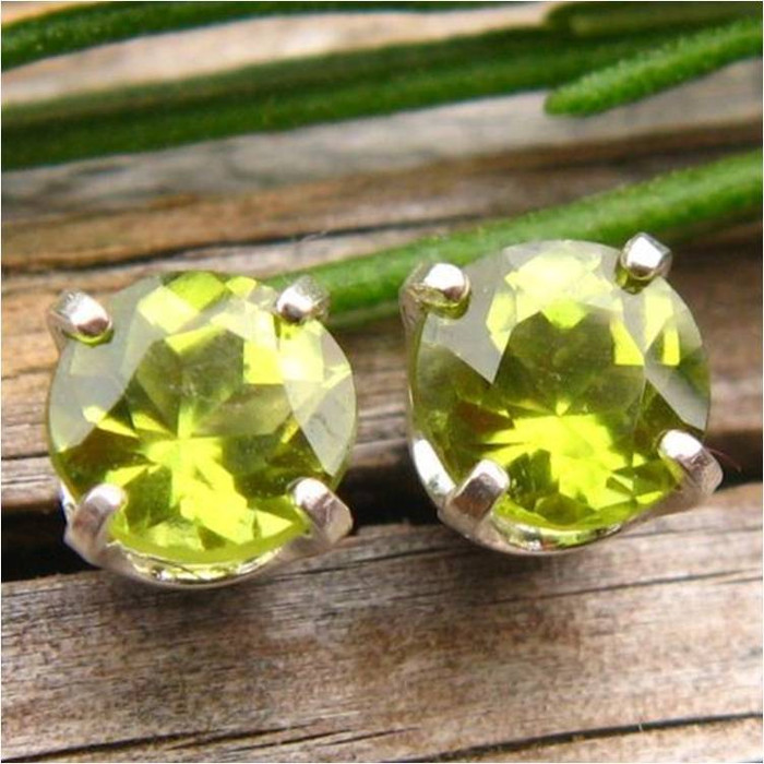Vesuvianite Idocrase Stud Earrings | Kenya