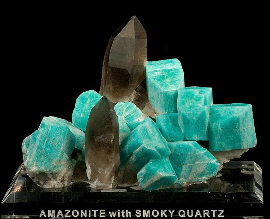 Raw amazonite and smoky quartz mineral specimen. Rob Lavinsky, iRocks.com – CC-BY-SA-3.0