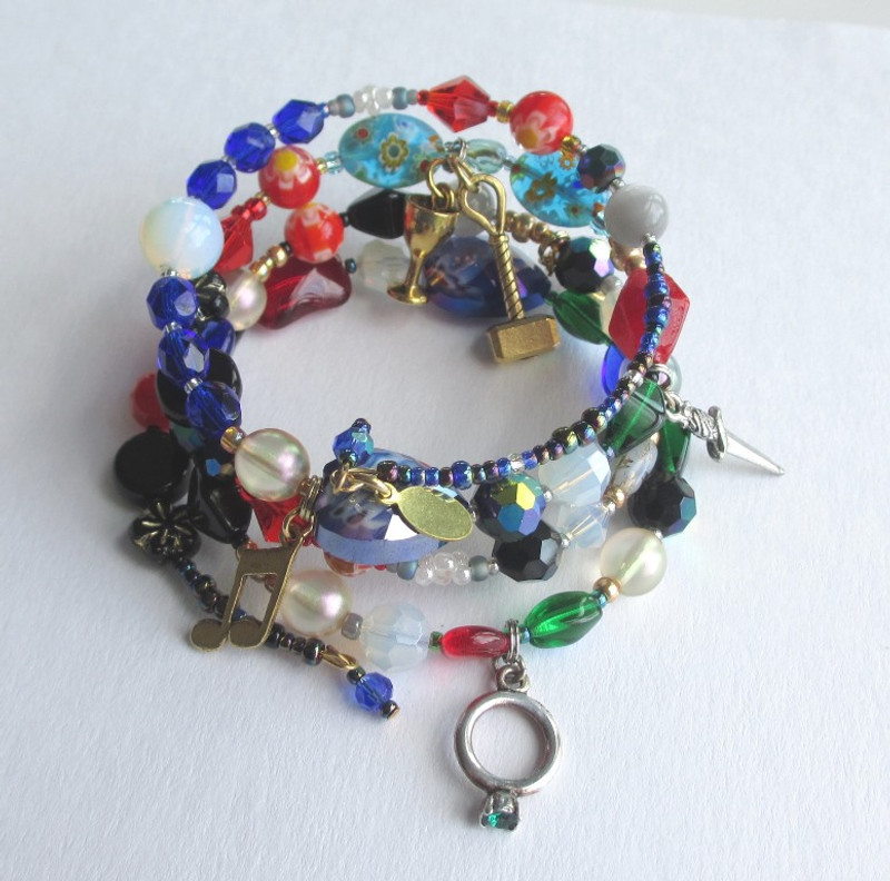 Beads and charms tell the story Il Trovatore.