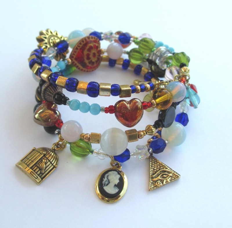 The Magic Flute Bracelet tells the story of the opera with symbolic beads and charms.