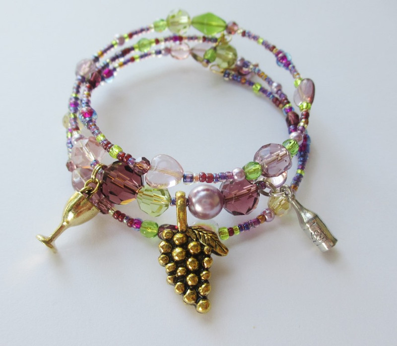The Brindisi Bracelet celebrating La Traviata's famous Act 1 drinking song.