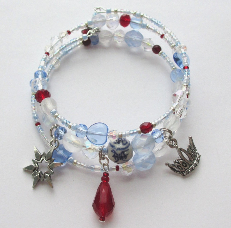 The Royal Riddles Bracelet evokes the deadly riddle contest that Calaf must win.