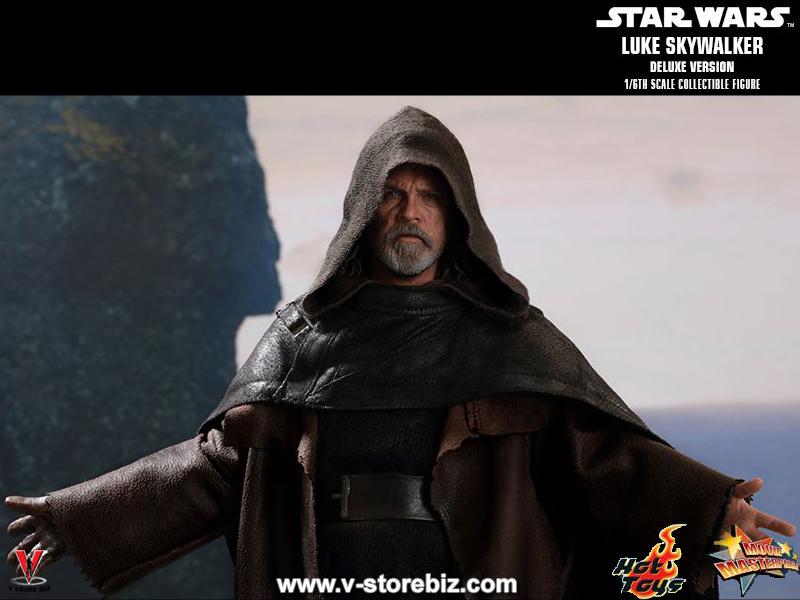 Hot Toys MMS458 Star Wars : The Last Jedi Luke Skywalker (Deluxe)