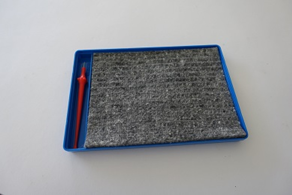 Board felt and pricker kit