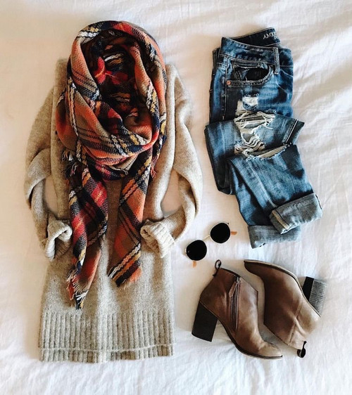 Warmest Layer Blanket Scarf: Navy/Camel