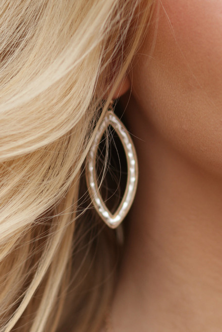 Style Icon Earrings: Gold/Silver