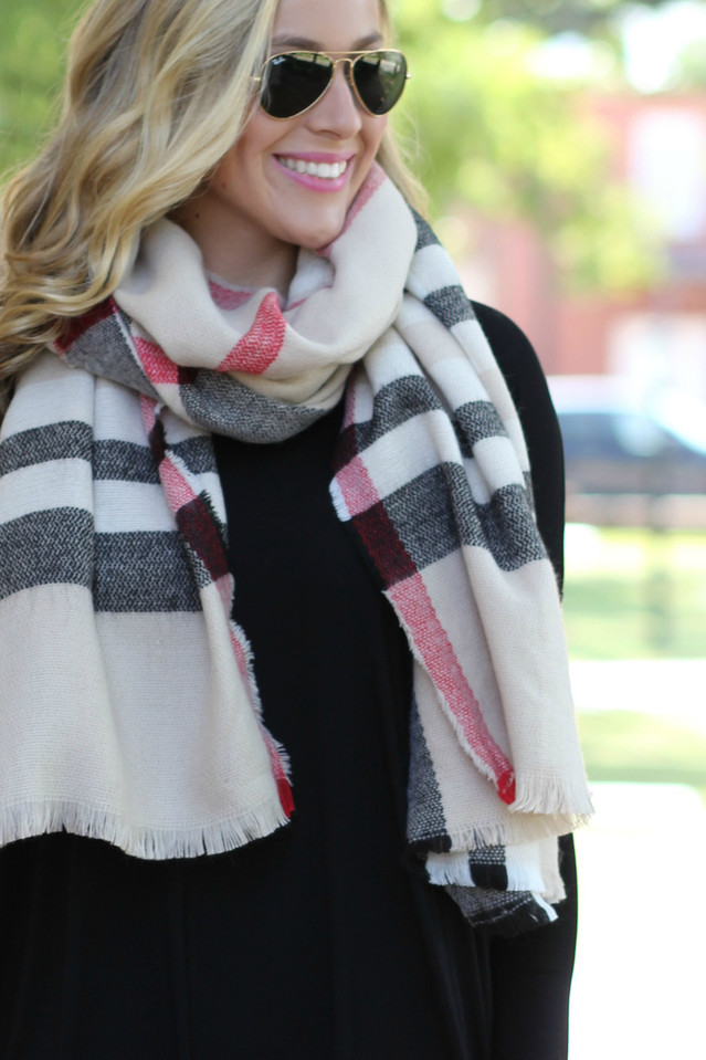 A Bit Chilly Plaid Scarf: Black/Tan