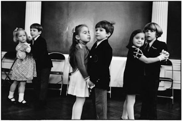 PORTFOLIO I: NEW YORK CITY, 1977 BY ELLIOTT ERWITT