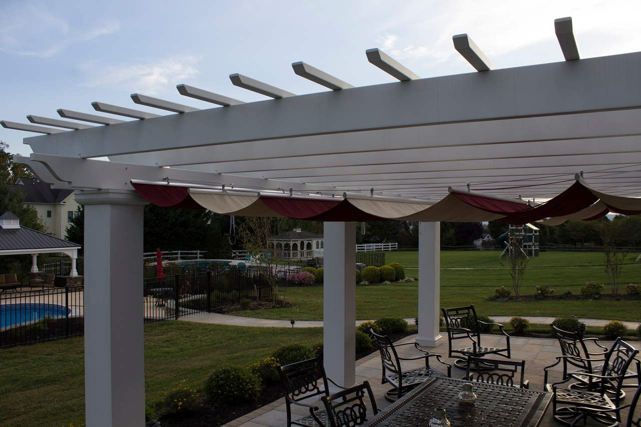 Sleek profile of the Infinity Canopy™ system. Stainless steel hardware is unobtrusive.