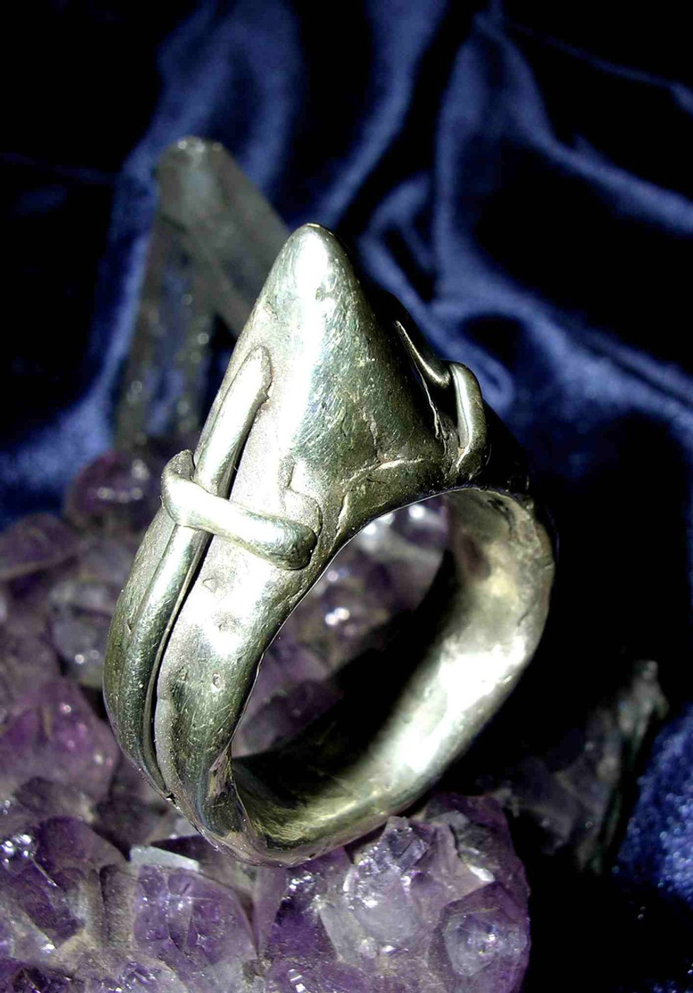 Merlin's Knights of The Round Table Magick Cross of Protection Ring!