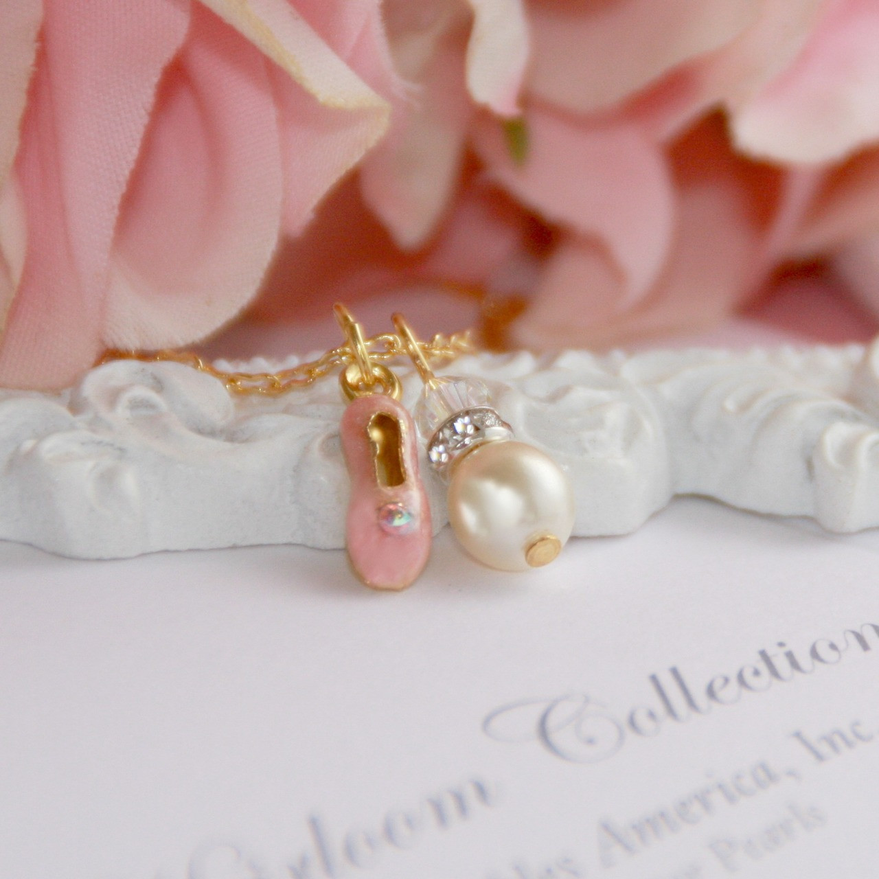 CJ-541  Pearl and Ballet Shoe Adorable Dance Necklace