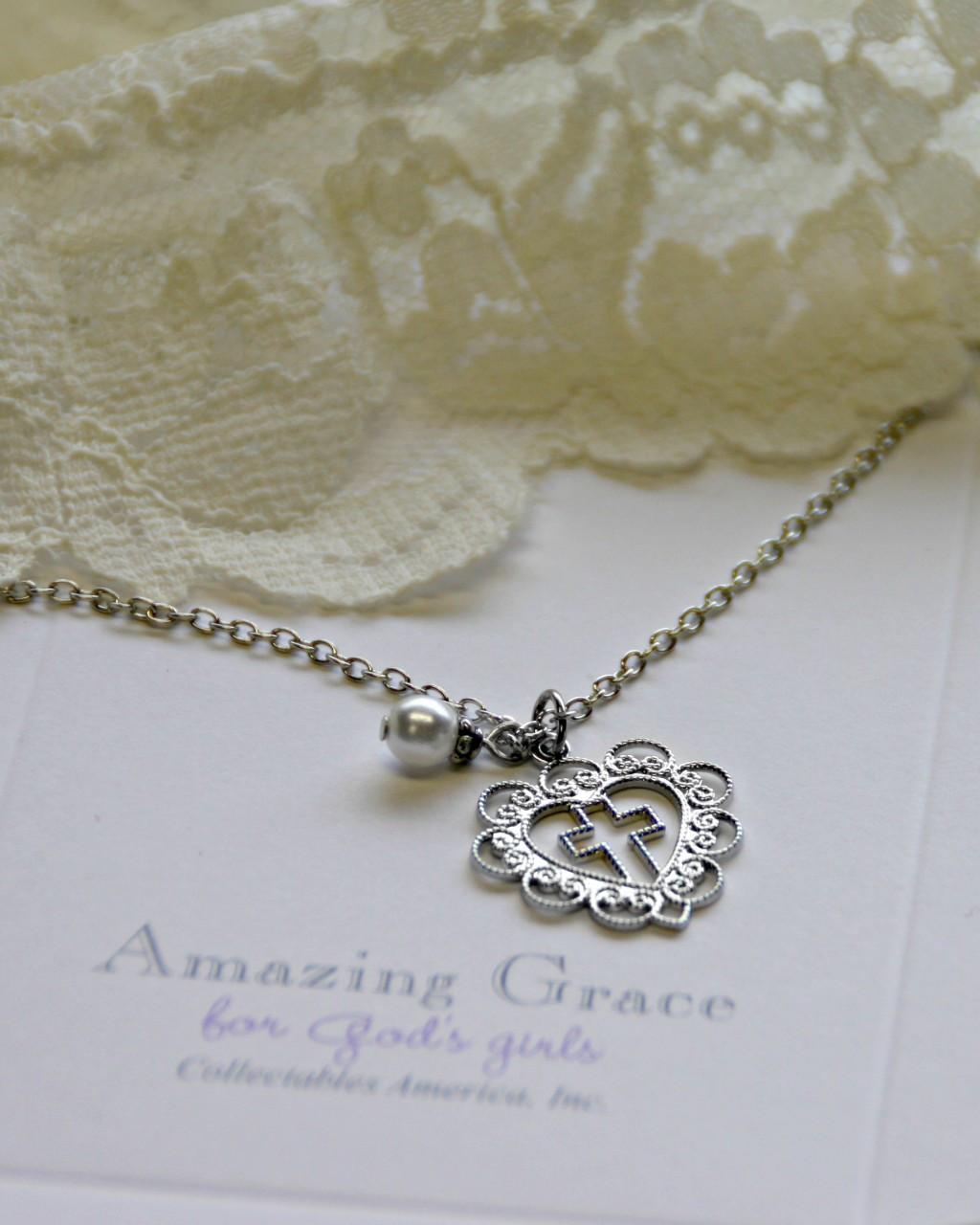 GG-28  Amazing Grace Lace Heart