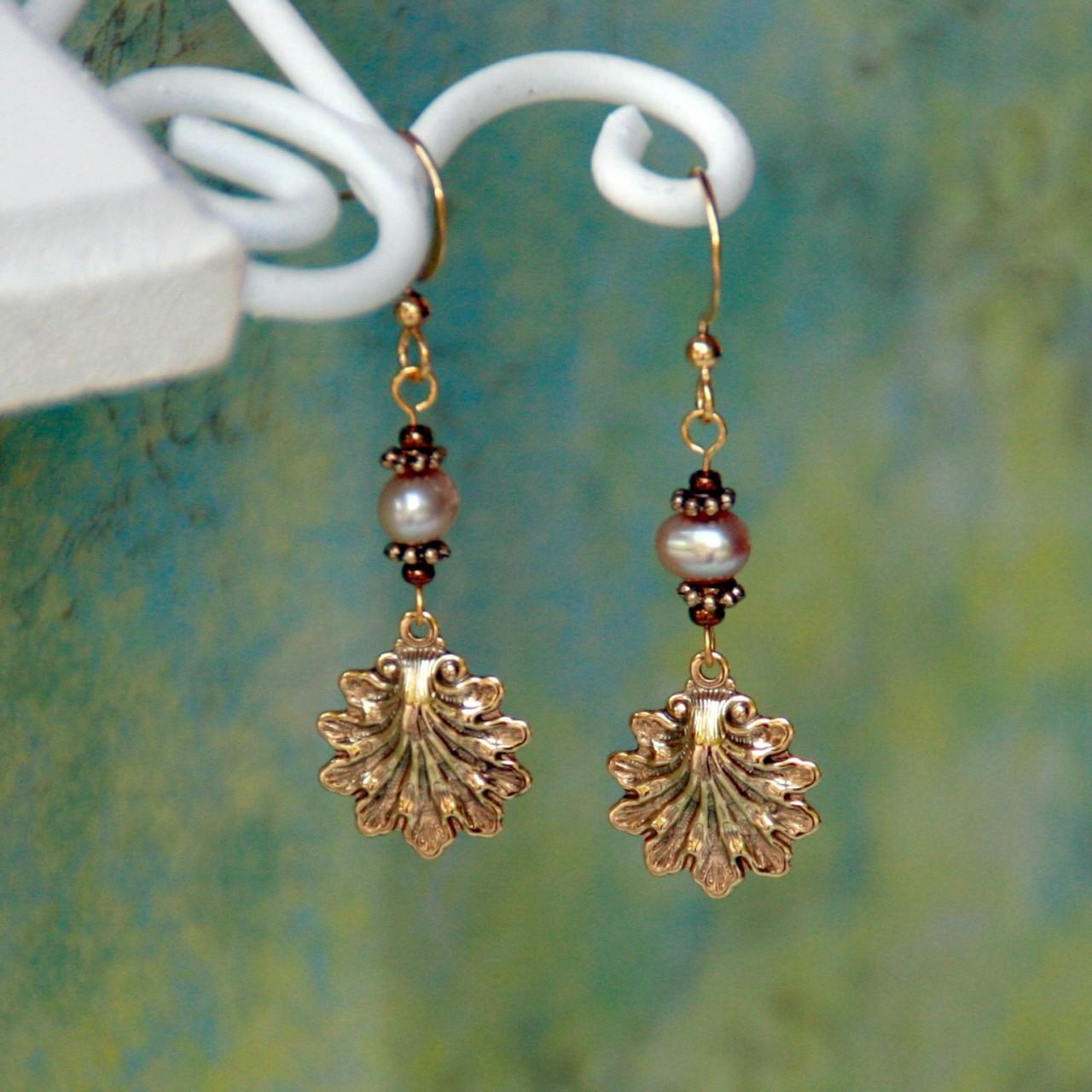 FER-108  Shell Earrings gold finish