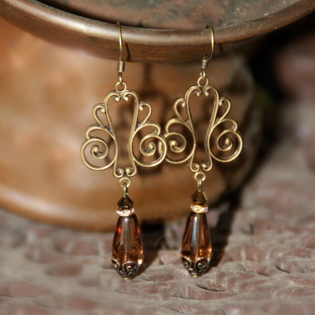 FER-372  Swirl Vintage Style Earrings