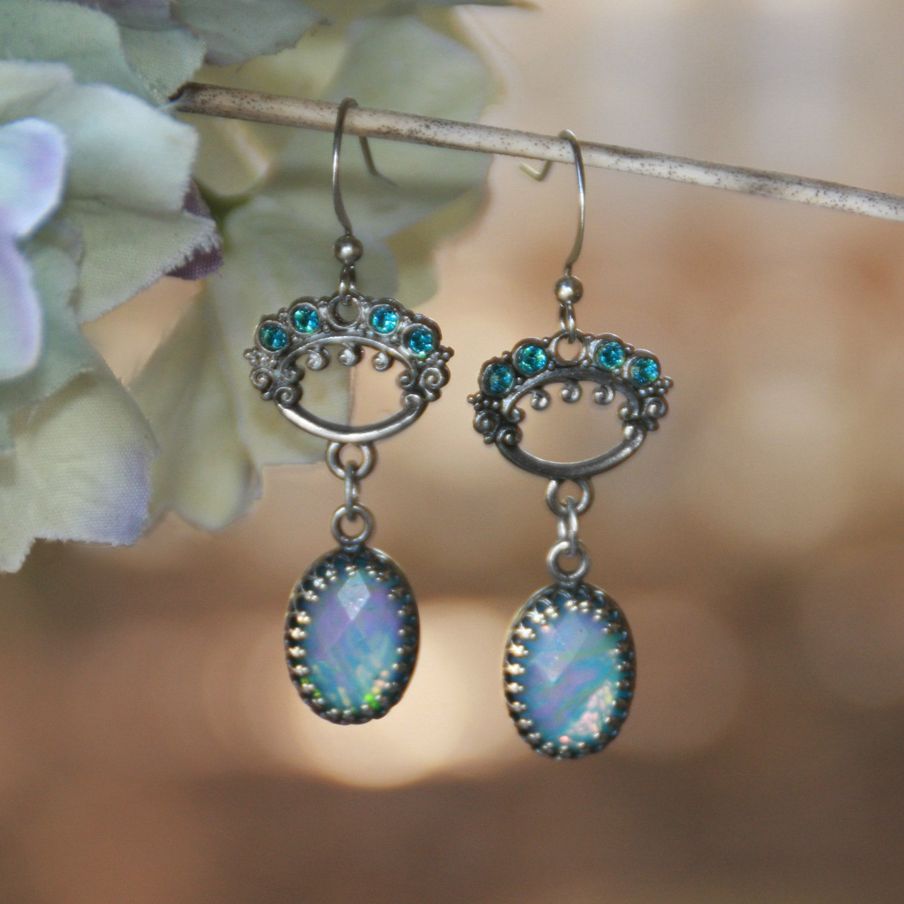 IS-182  Opal Style Beautiful Earrings