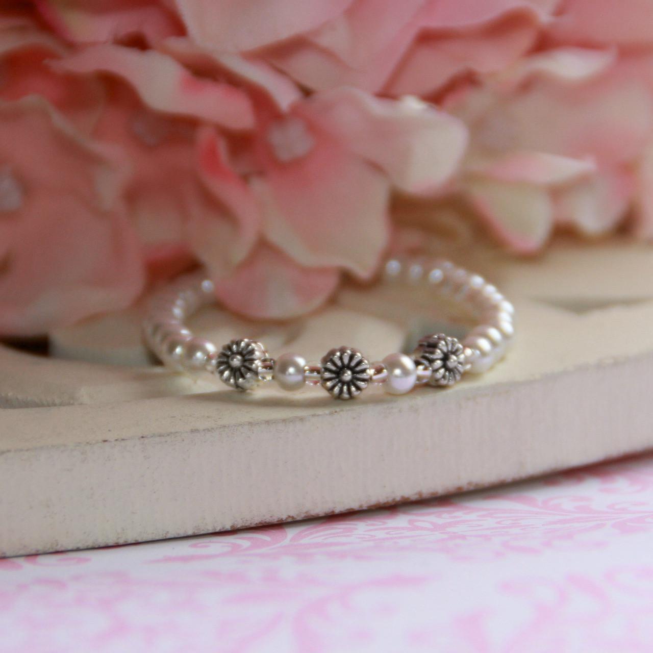 CJ-111  Infant Tiny Flowers Pearl Bracelet