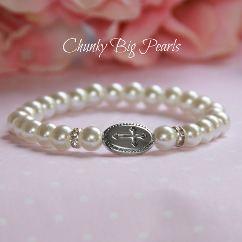 CJ-522  Chunky BIG Pearls Bracelet with Center Cross Plaque 5""