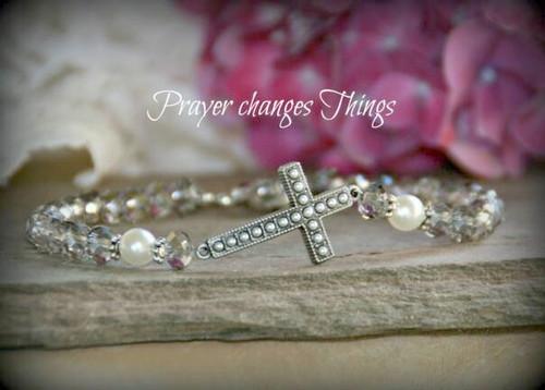 IN-367 Pearl Cross Bracelet