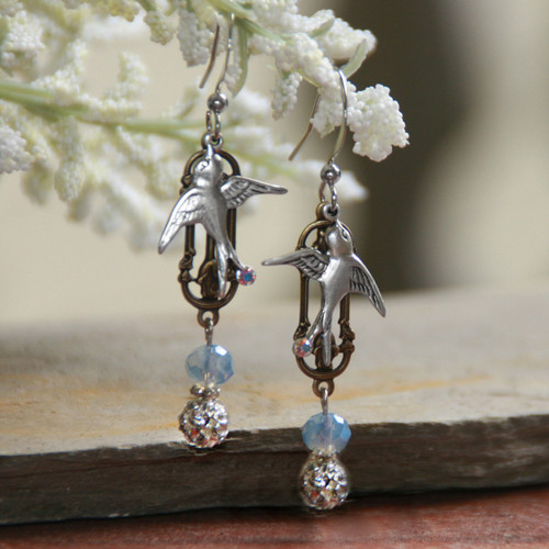 IS-303  Birds in Flight Beautiful Earrings