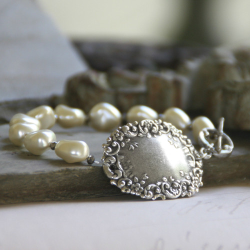 BR-9  Perfect for Engraving or Wearing as is Fine Glass Pearl Bracelet