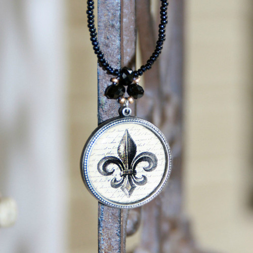 ART-209 Fleur de Lis ART Collection Necklace