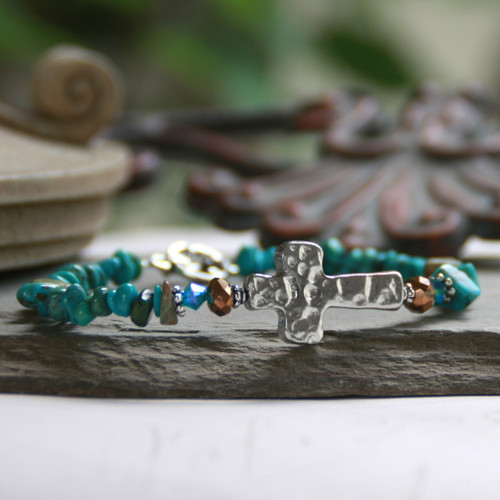 IN-113 Hammered Design Turquois chip Bracelet