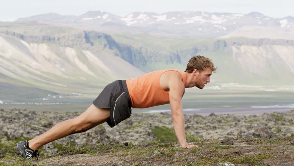 The 15-Minute Calisthenics Workout You Can Do Anywhere