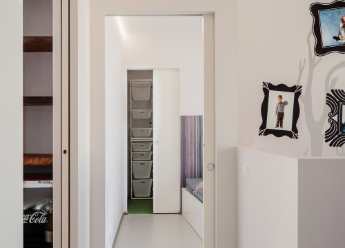 Save The Space Taken Up By The Arc Of A Traditional Hinged Door, By  Allowing ...