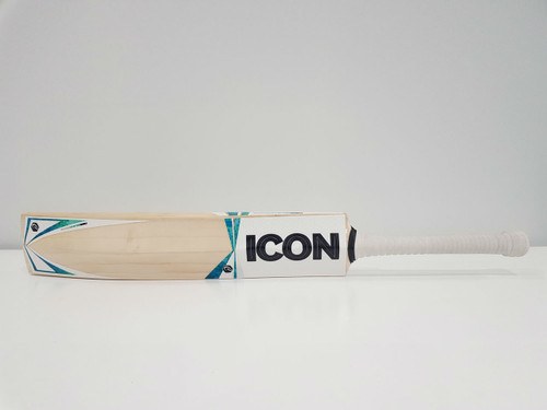 Artemist Cricket Bat