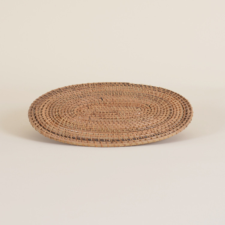 04-25 Natural Woven Oval Placemat