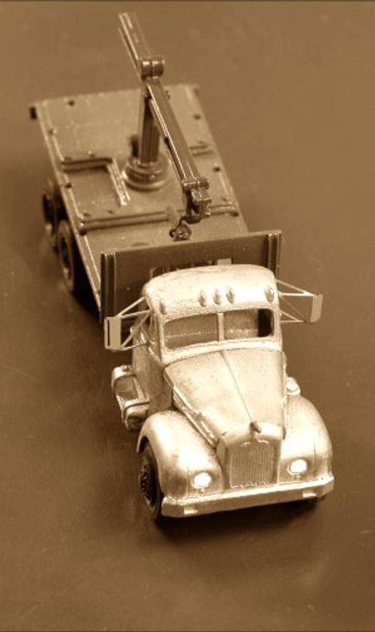 1953-64 Mack B42 / B61 Truck with Boom & Block Flatbed Kit