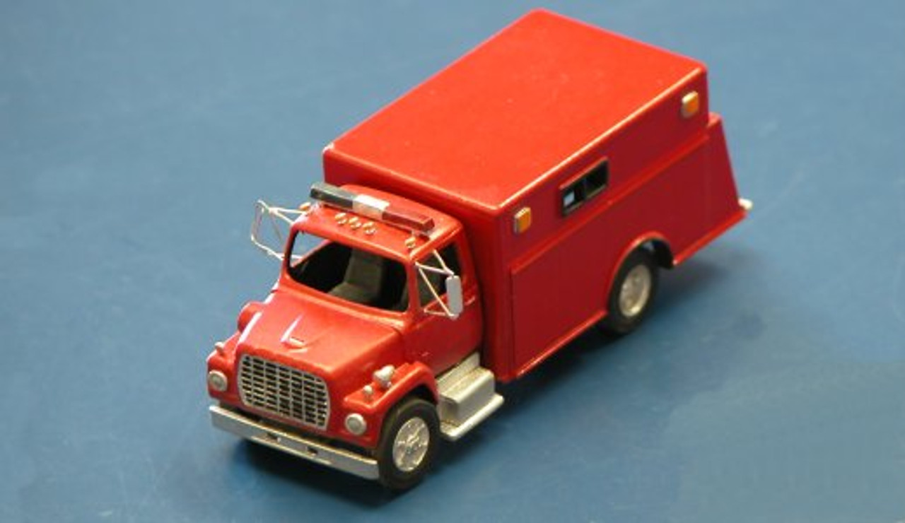 1990 Ford LN 9000 Firetruck with Pierce CRV-18 Rescue Body Kit