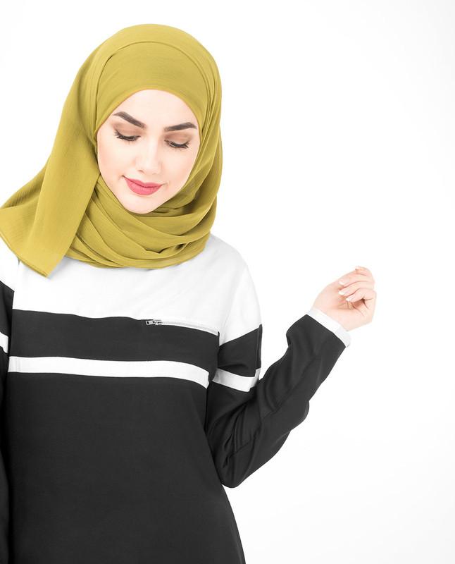 Black and white abaya jilbab