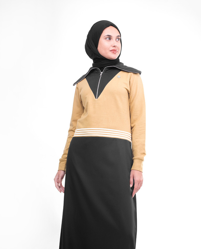 Black Winter Jilbab With Exaggerated Collar