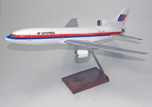 United DC-10