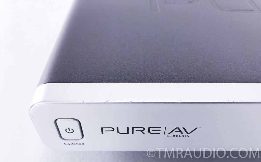 PureAV AP20800-10 8-outlet Home Theater Power Conditioner