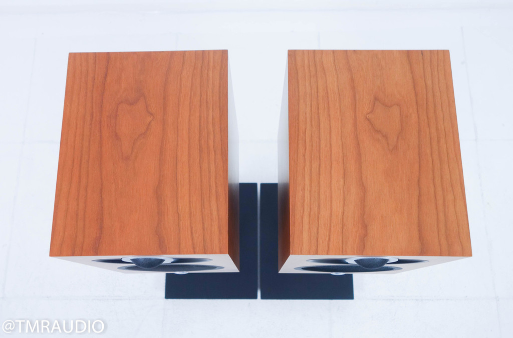 Linn Majik 109; Bookshelf Speakers Cherry Pair w/ Stands
