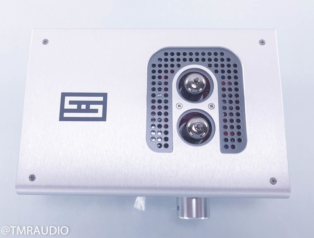 Schiit Lyr 2 Headphone Amplifier / Preamplifier; Upgraded Feet