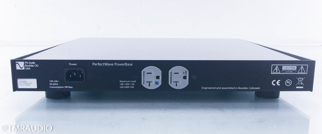 PS Audio PerfectWave PowerBase Power Conditioner (2/2)