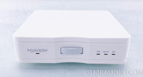 MicroMega Mygroov Phono Preamplifier; MM / MC; White