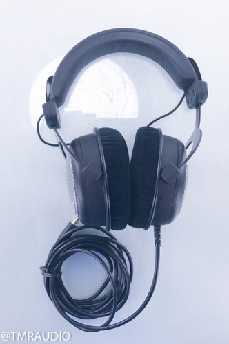 Beyerdynamic DT880 Closed-Back Stereo Headphones